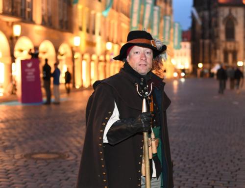 Im Laternenschein mit der Nachtwächterführung durch Münster